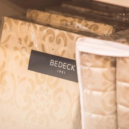 Bedeck - LinenGreen-August2016-CH-1132_13191b756ebe15f09cb474509f13d752